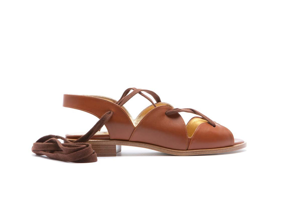 EDEN kork matte leather flat laced sandals. Summery and elegant. Maison Rabih Kayrouz & Walter Steiger Collaboration for the 2016 spring summer collection.
