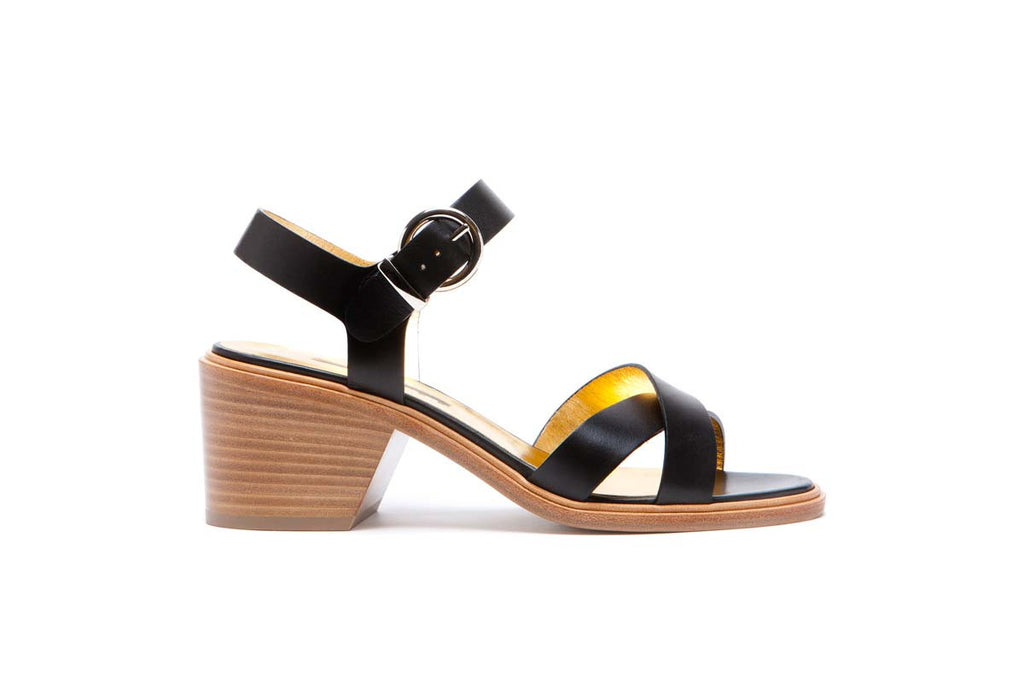 EDILE black matte leather flanged sandal with a 7 cm leather heel. Summery and elegant. Walter Steiger, 2016 spring summer collection.
