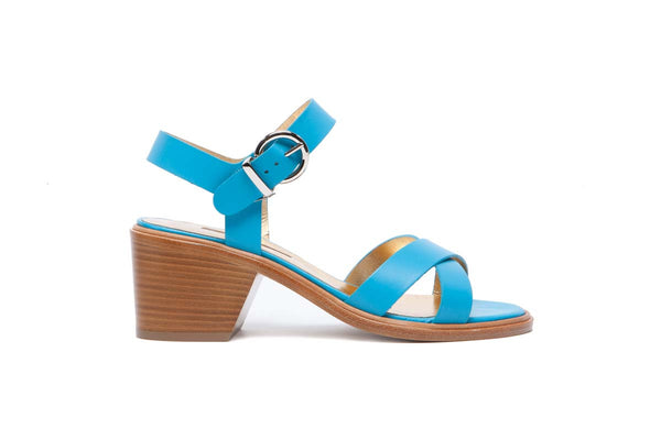 EDILE sky matte leather flanged sandal with a 7 cm leather heel. Summery and elegant. Walter Steiger, 2016 spring summer collection.