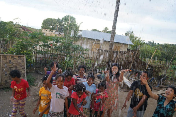Rachel Grant visit the Aetas of the Philippines