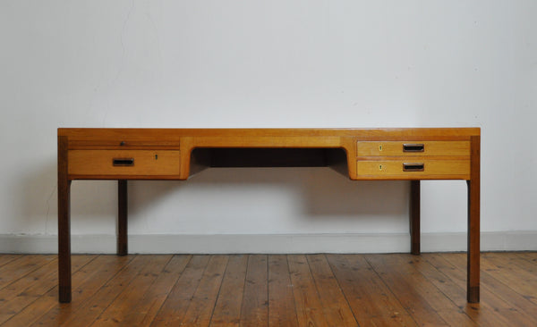 Scandinavian Modern mahogany desk by Ejnar Larsen and Aksel Bender Madsen