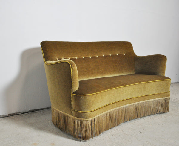 Curved Early 20th Century Sofa with original upholstery in green and yellow tones