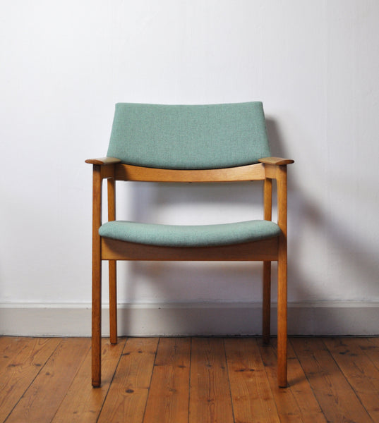 Danish Modern Armchair in solid oak with new upholstery, 1960s
