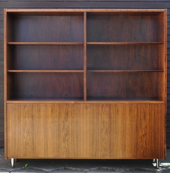 Danish rosewood cabinet by Hundevad.