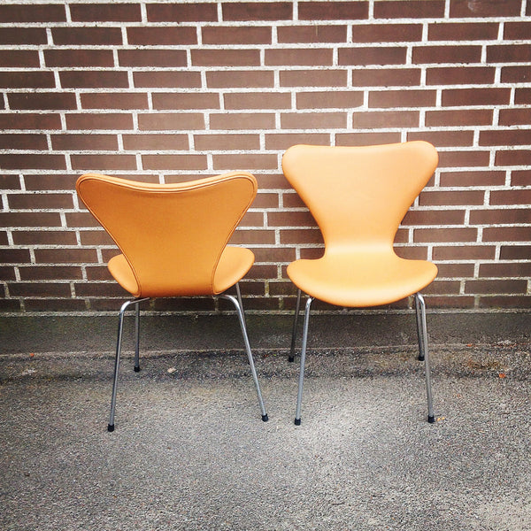 Arne Jacobsen series seven chairs, new upholstered leather