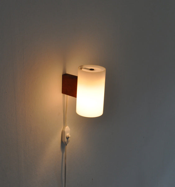Magnificent minimalist wall lamp designed by Uno & Östen Kristiansson