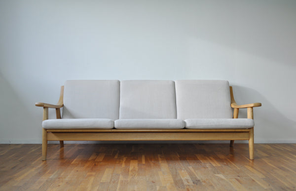 Danish Midcentury Oak Sofa Model 530 by Hans J. Wegner for GETAMA