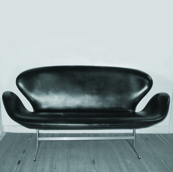Arne Jacobsen - the Swan sofa