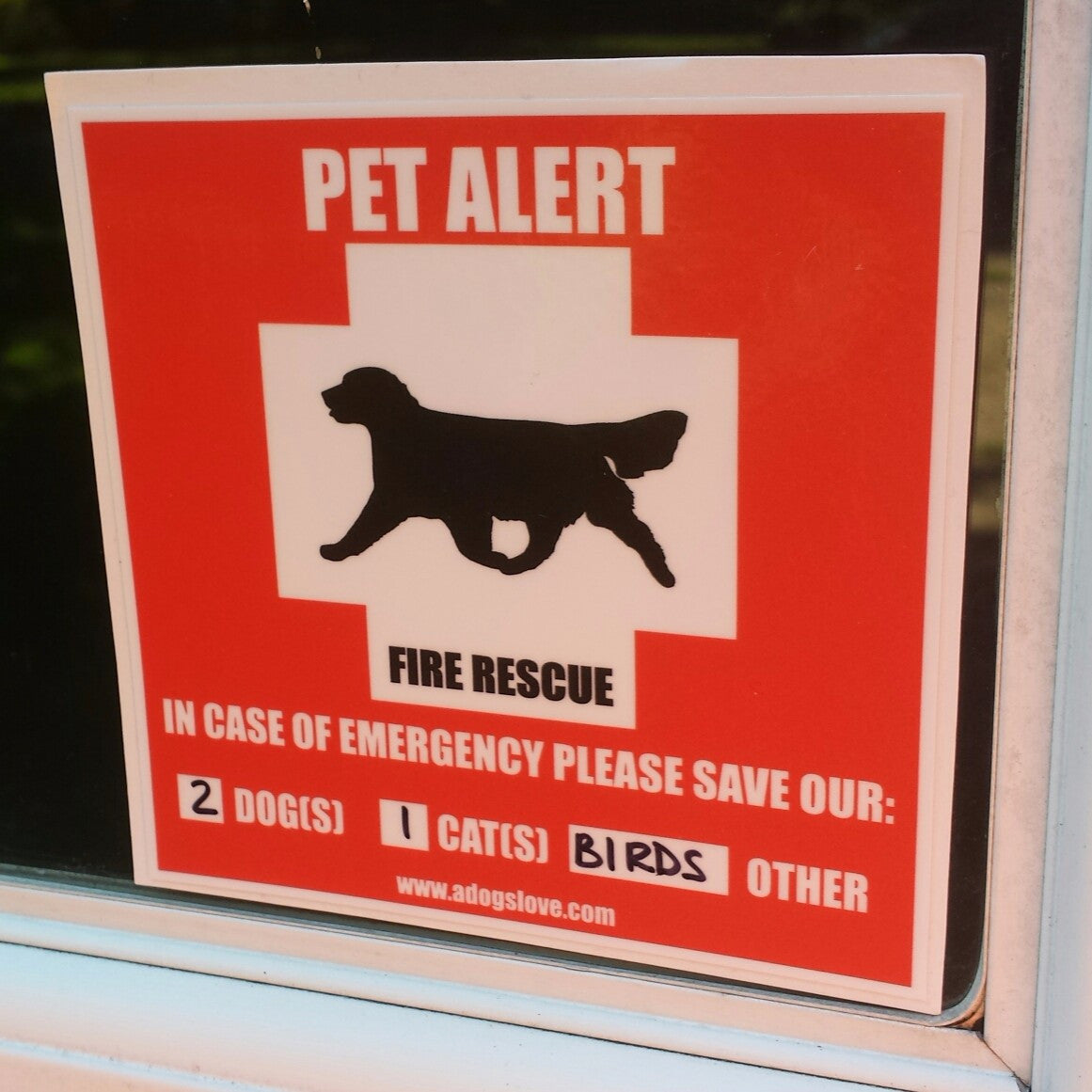 Golden Retriever Pet Alert Sticker (2 Pack)