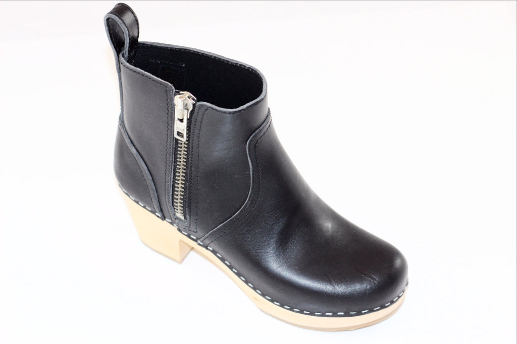 Swedish Hasbeens Women s Zip It Emy Clog Boot - Black Leather ... 9c849a8a0