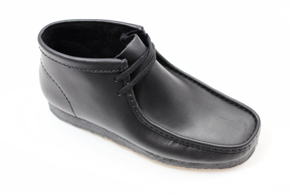 Clarks Men's Wallabee Boot - Black Leather Side Angle View