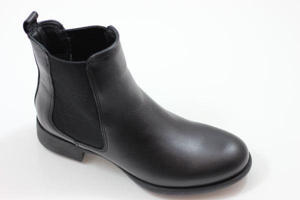 La Canadienne Womens Shana Chelsea Boot- Black Leather