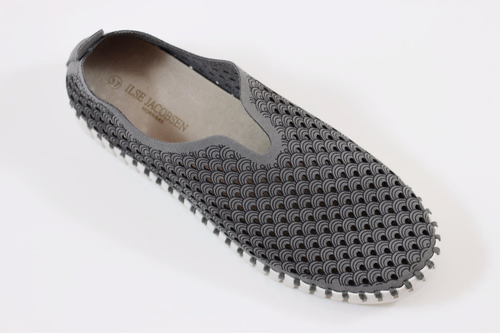 Ilse Jacobsen Women's Tulip Slip On - Grey Side Angle View