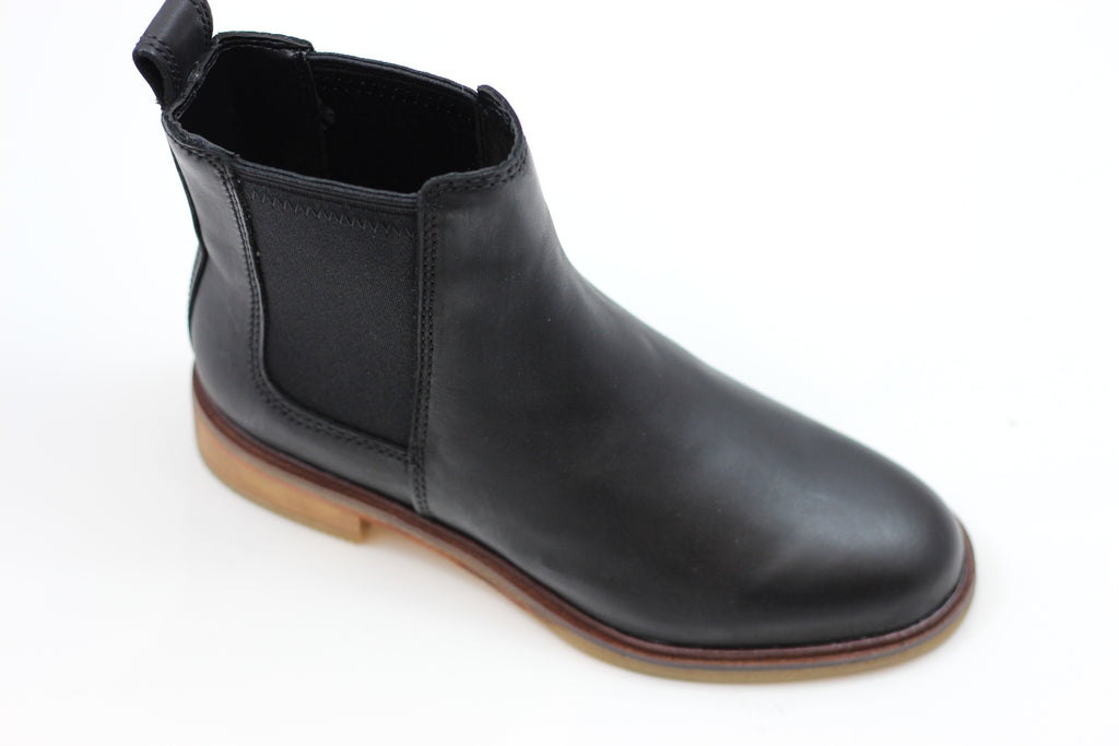 Clarks Men's Clarkdale Gobi Boot - Black Leather Side Angle View