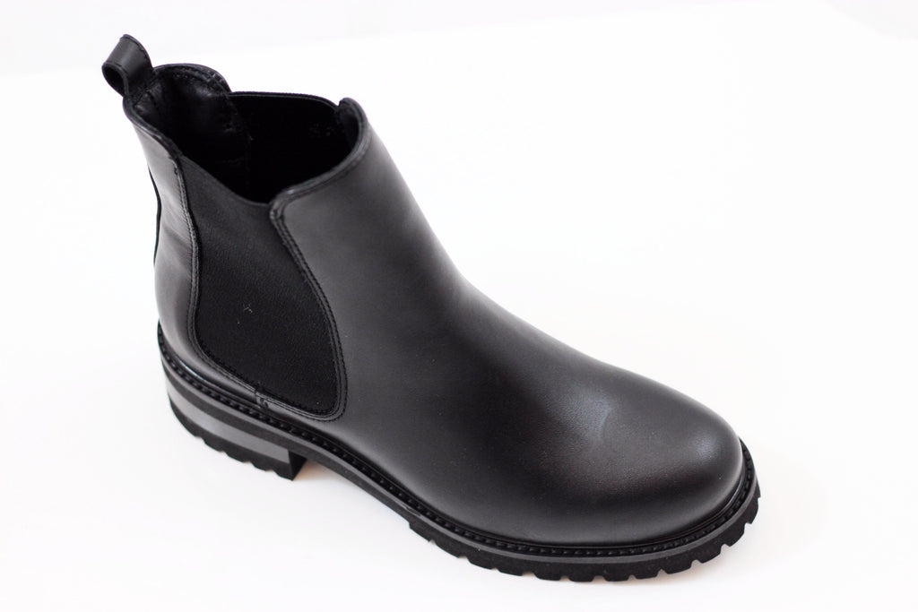 La Canadienne Womens Conner Chelsea Boot- Black Leather