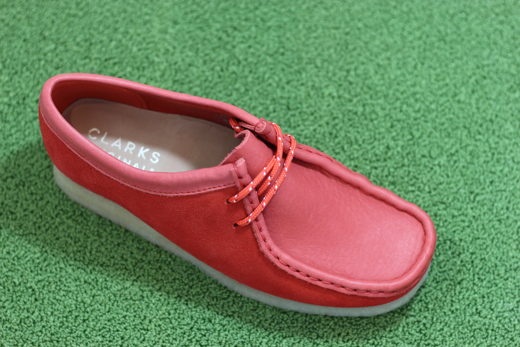 Clarks Women's Wallabee - Red Nubuck/Leather Side Angle View