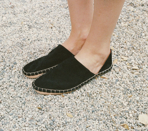 MOCCASIN BABOUCHE -- BLACK