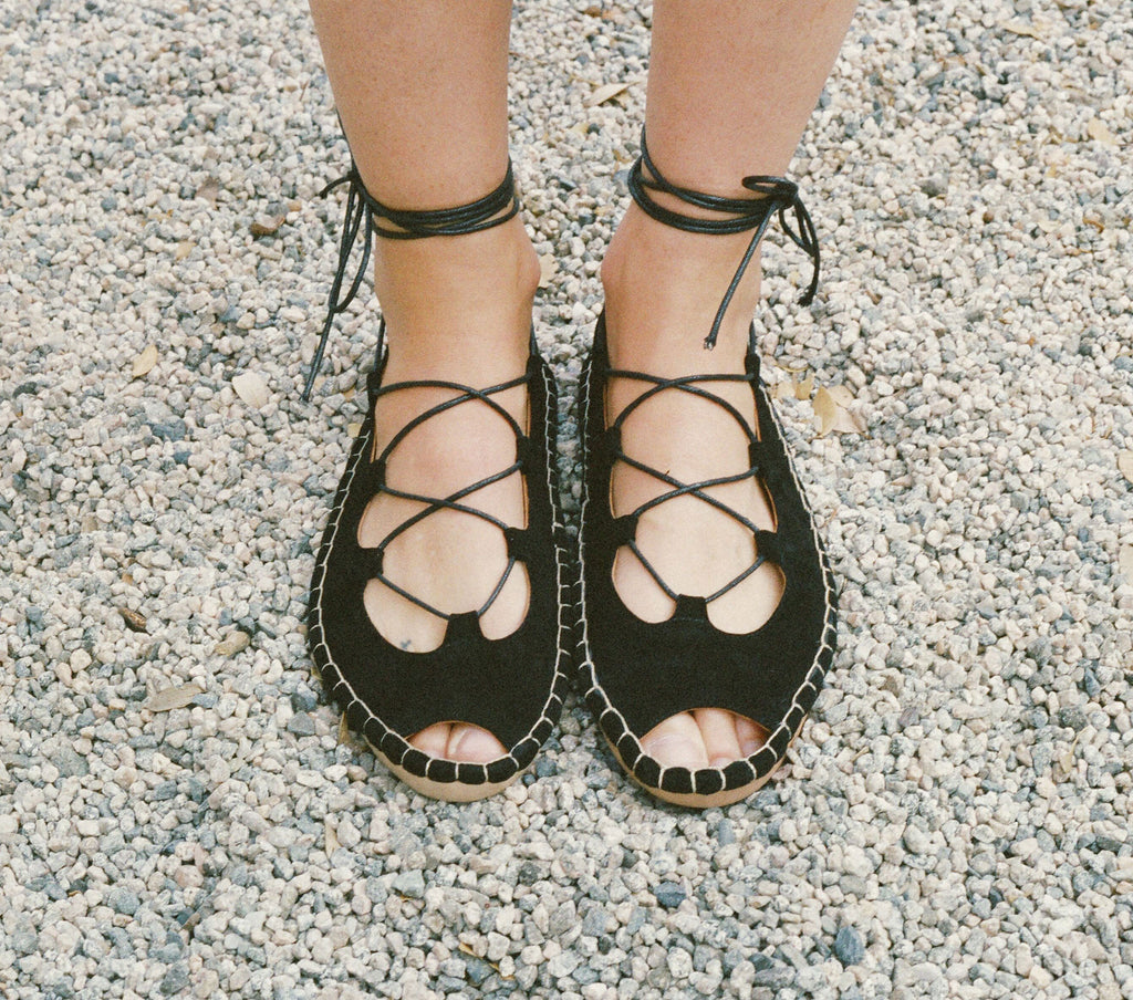 LACE-UP MOCCASIN -- BLACK