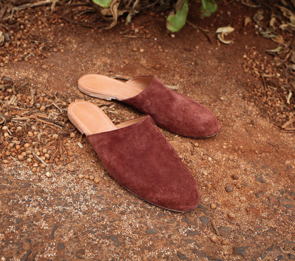 THE SLIPPER -- STAIN SUEDE