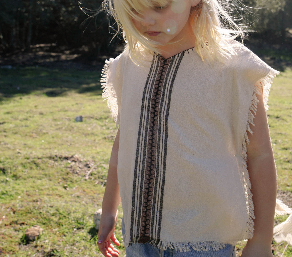 YEARLING BY DÔEN CHILDREN'S PONCHO -- Truffle Stripe