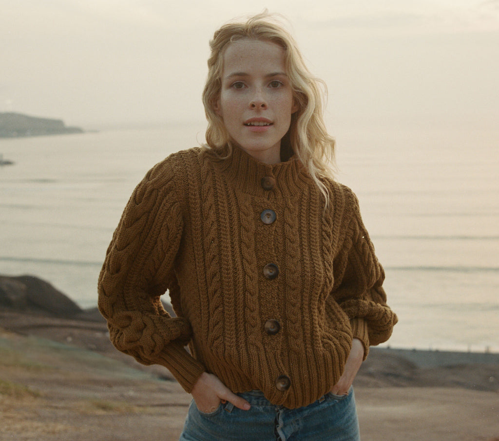CARDIFF CARDIGAN SWEATER -- SEPIA