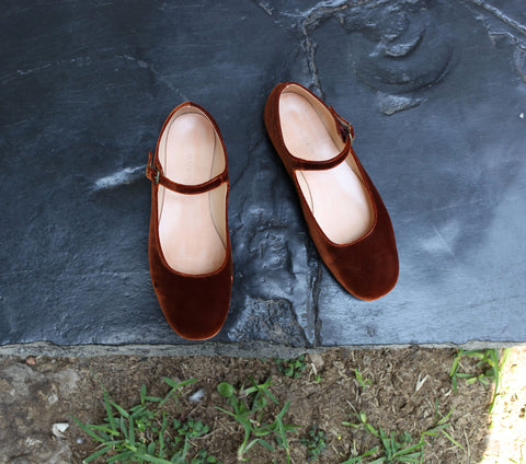 MARY JANE SLIPPER --RUST VELVET