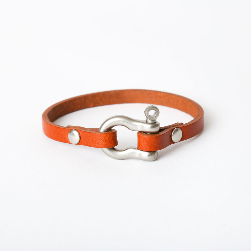 Chestnut Shackle Bracelet - Single