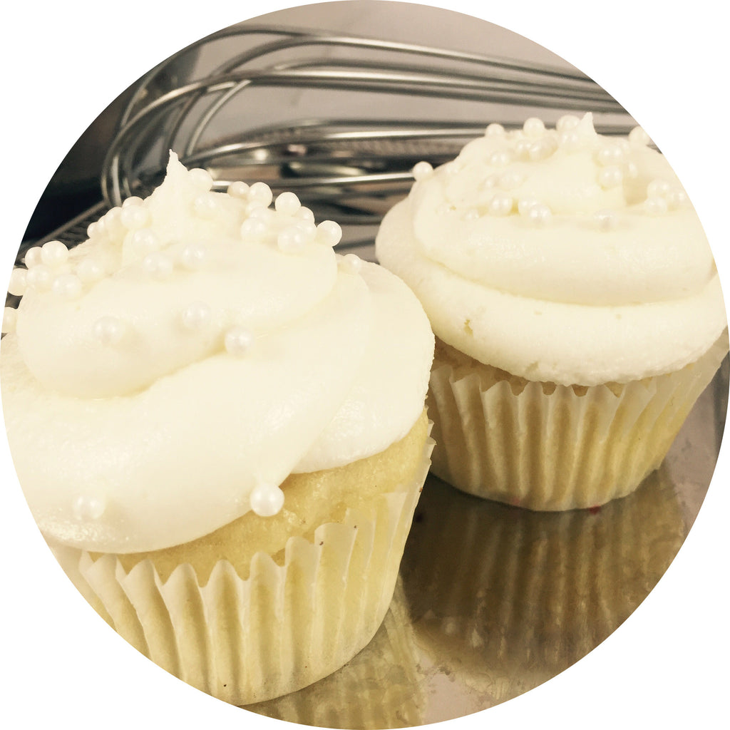 Vanilla Cupcake with Vanilla Buttercream- 6 count