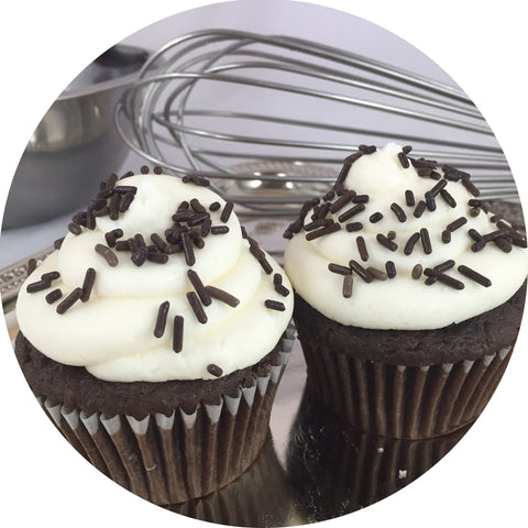 Chocolate Vanilla Cupcake- 6 count