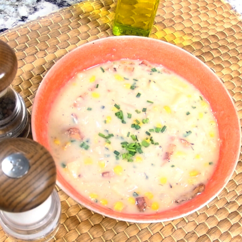 corn-chowder-with-potatoes-and-bacon-in-your-pressure-cooker