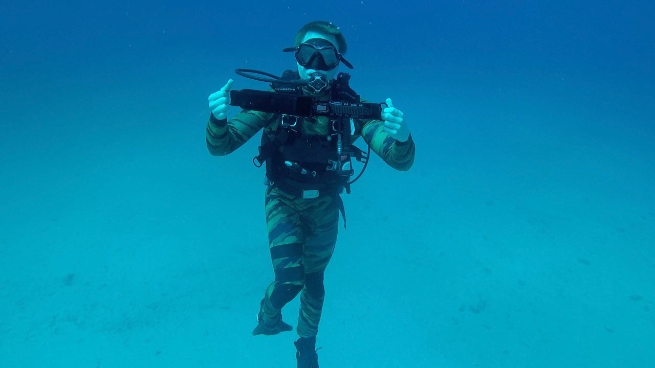 OMNA Amphibious Tourniquet - 1 Handed Application - Marine Combat Diver - Dive Tourniquet - Emergency First Response  - Rescue Diver - Divers Alert Network