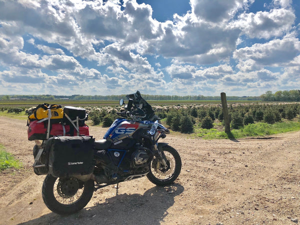 Lone Rider MotoBags on Tom's BMW R1200GS Rallye
