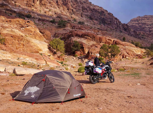 BMW F800GS and Lone Rider ADVTent in the Jordan desert