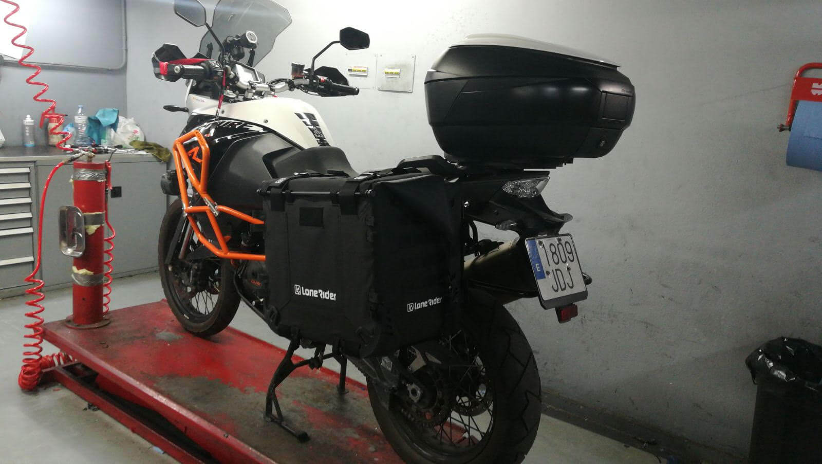 Lone Rider Motorcycle Bags MotoBags mounted on Ktm 1190 adventure R