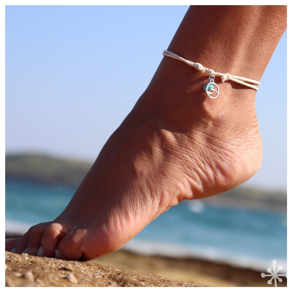 Wave with turquoise anklet cream