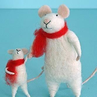 Fairy Play Felted Dad & Child - Mice with Scarves Earth Fairy