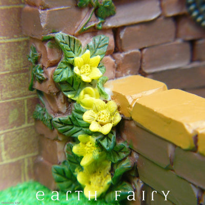 Fountain Pond - Yellow Climber Close Up | Fairy Garden Ponds - Australia | Earth Fairy