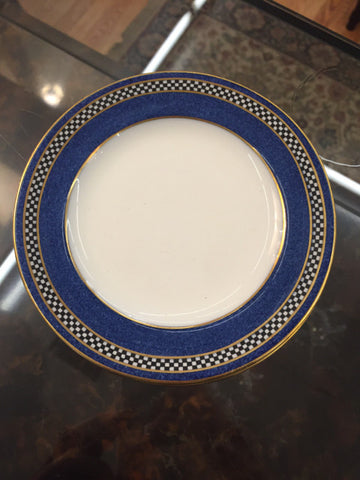 3 Wedgwood saucers - Jarred's Homegoods / Treasure Brokers  - 1