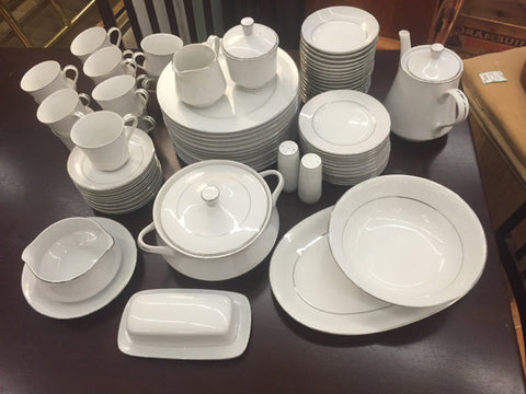 67Pc Crown Victoria Lovelace China Set 5Pc Place Setting, Service for 12 +Extras - Jarred's Homegoods / Treasure Brokers  - 1
