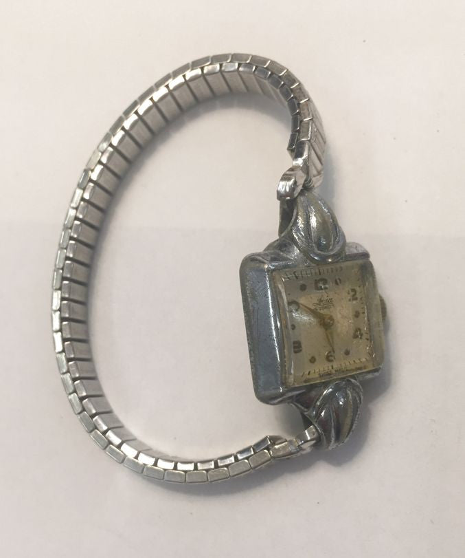 Avia 15 jewels womans wrist watch 1918 - Jarred's Homegoods / Treasure Brokers  - 1