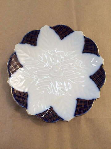 Flow Blue - Embossed White Berries and Leaves Dish/ Plate - Jarred's Homegoods / Treasure Brokers  - 1