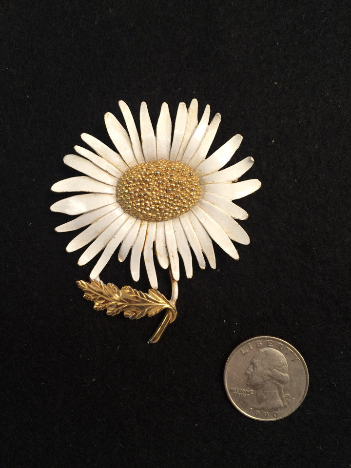 Marvella Vintage Daisy Pin/ Brooch -   - 1