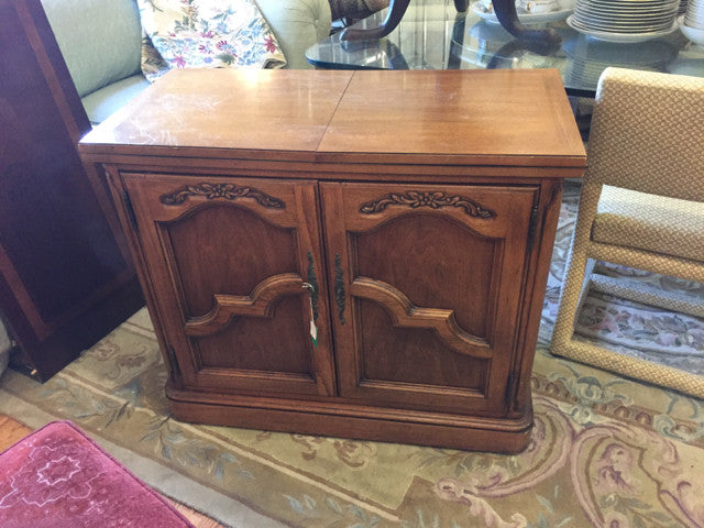 Thomasville Buffet Sideboard Server Table with Extendable Foldable Top - Jarred's Homegoods / Treasure Brokers  - 1