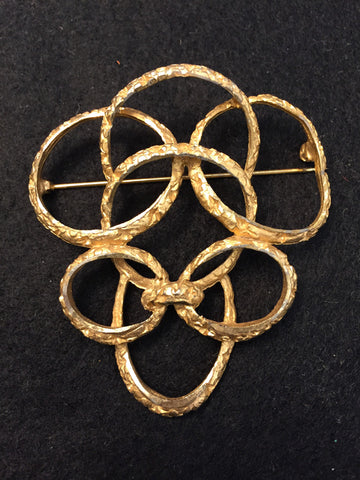 Vintage Intertwined Circles Gold Tone Pin/Brooch - Jarred's Homegoods / Treasure Brokers  - 1