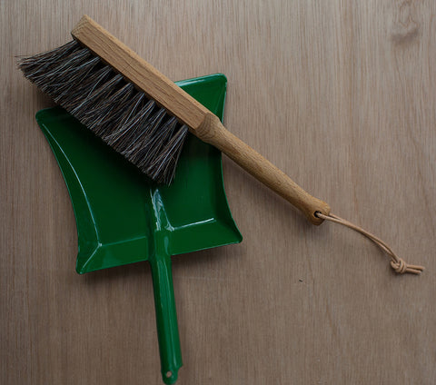 Children's dustpan brush