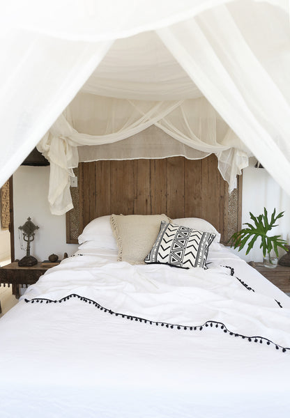 Handmade Linen Throws White in bed