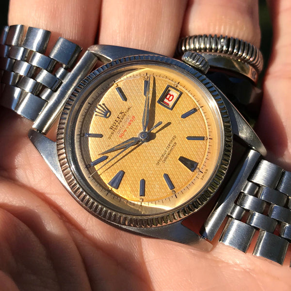 Rolex - Datejust rare Ref.6305-1 Ovettone Bubbleback with super rare red depth tropical dial