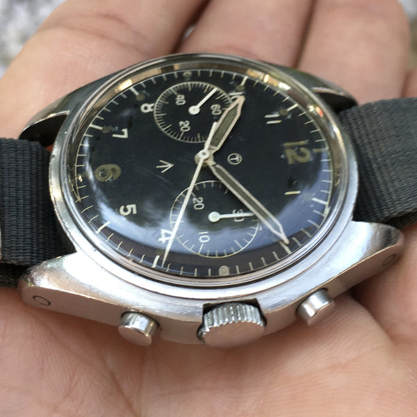 Hamilton - Asymmetrical Chronograph Military Issued 0552 for Royal Navy 1971 sterile dial
