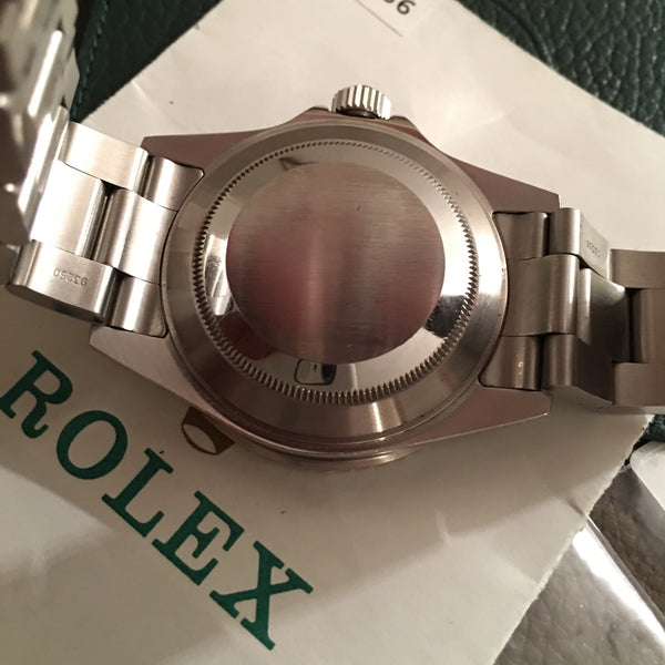 Rolex - Submariner Ref. 16610 with box and papers 2001