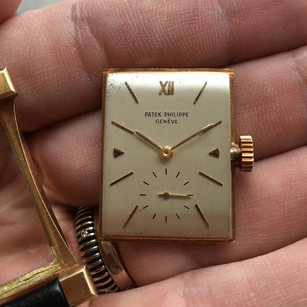 Patek Philippe - Tour Eiffel Ref. 2441 18K Gold 1950 tonneau-shaped